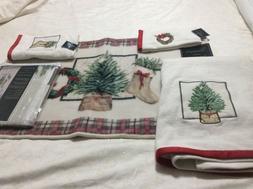 Avanti Linens Farmhouse Holiday Fingertip ,bath,hand towels,