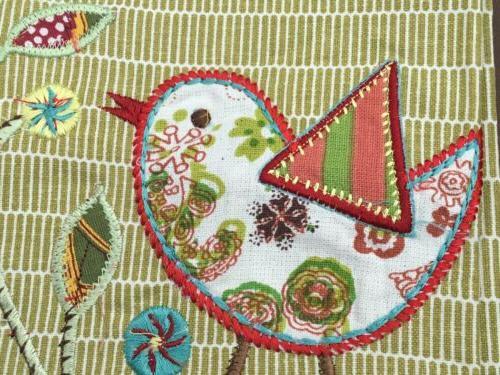 World 100% Kitchen/Tea Embroidered Bird New