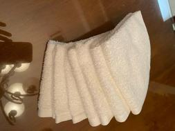 AmazonBasics Washcloths Towels - White